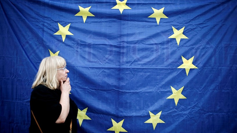 Crescimento da Zona Euro acelera menos que o esperado em Outubro