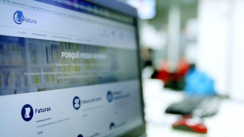E-fatura bate recordes no último dia da validação do IRS