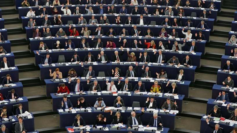 Parlamento Europeu contra suspensão de fundos a Portugal