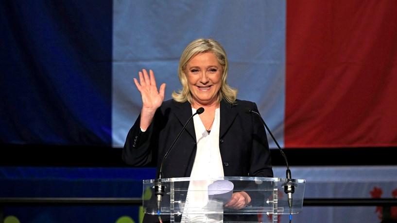 """Marine Le Pen chama """"escória"""" a autores dos motins em França"""