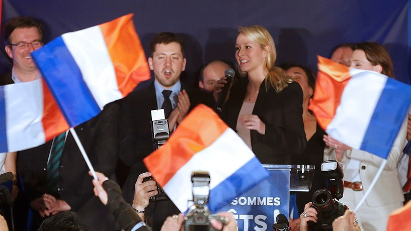 Le Pen defende novo imposto sobre contratos laborais com estrangeiros