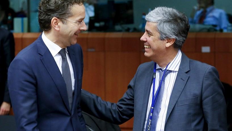 Centeno disse ao Eurogrupo estar pronto para tomar mais medidas em 2017