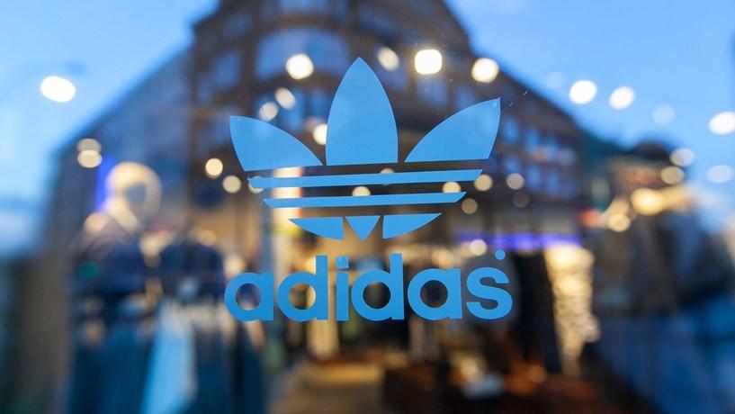 Adidas supera objectivos de 2015 e aumenta estimativas para este ano