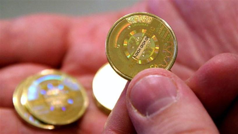 Bitcoin em máximos de três anos supera 1.000 dólares