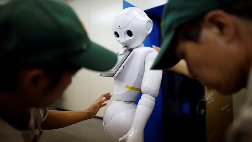 Robôs podem substituir 250 mil funcionários públicos no Reino Unido
