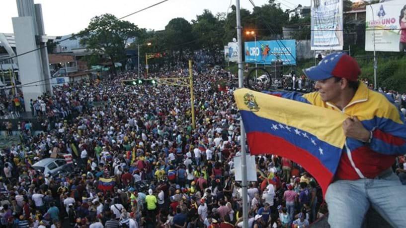 Mercosul convoca reunião para avaliar aplicação de cláusula democrática contra a Venezuela