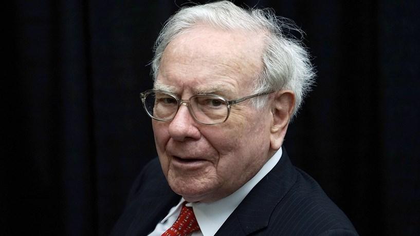 """Buffett assume compras """"estúpidas"""" mas elogia últimos 50 anos"""