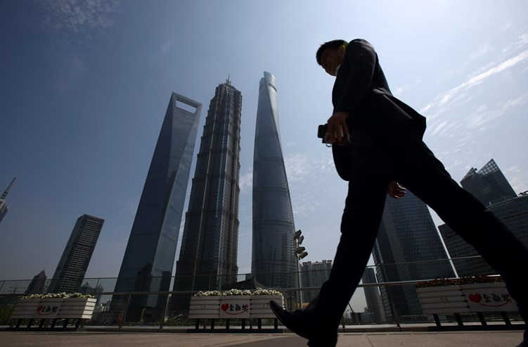 Com 494 metros, este é o sexto prédio mais alto do mundo. A sua forma, com uma abertura no topo, vale-lhe a alcunha de saca-rolhas gigante. O 100º andar, aos 474 metros, é panorâmico e tem chão de vidro.