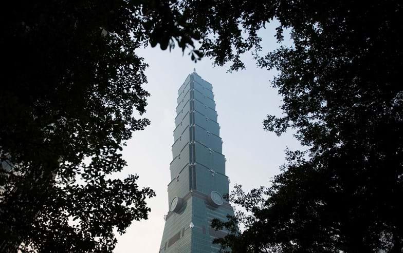 Denominado Taipe 101, o número é simbólico. Alude ao dia 1 de Janeiro, já que o edifício de 508 metros e 101 andares é palco das comemorações da passagem de ano em Taiwan. Segue os padrões da construção sustentável.