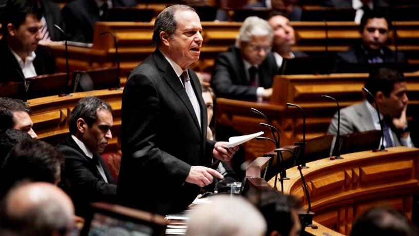 Carlos César: A única aliança sobre a CGD foi com PCP e BE para recapitalizar o banco
