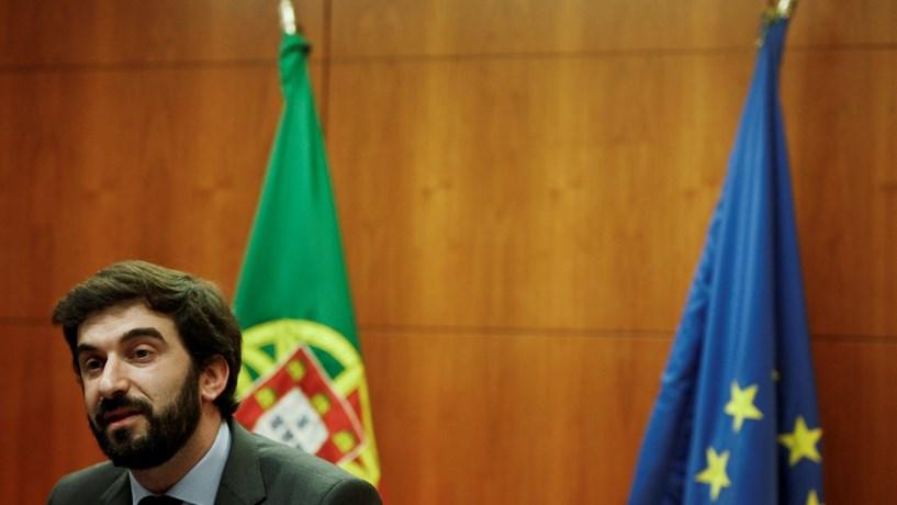 CDS-PP pede demissão de ministro da Educação por causa de falsas licenciaturas