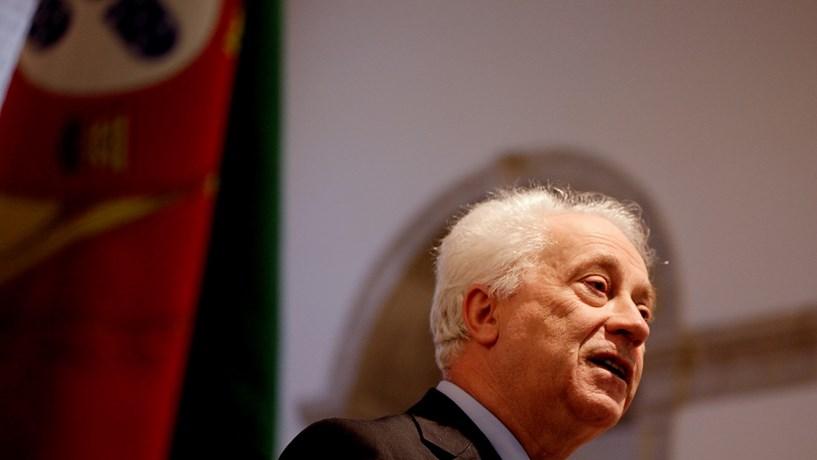 """Banco de Portugal quer que contas """"low-cost"""" possam ter saldo negativo"""