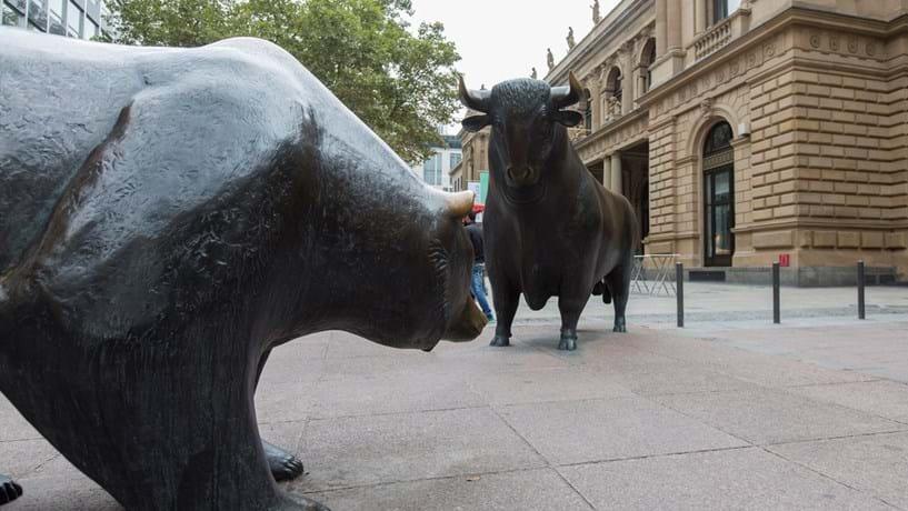 """Quanto um activo acumula uma queda superior a 20% face ao anterior máximo entra em """"bear market"""" (mercado urso)"""
