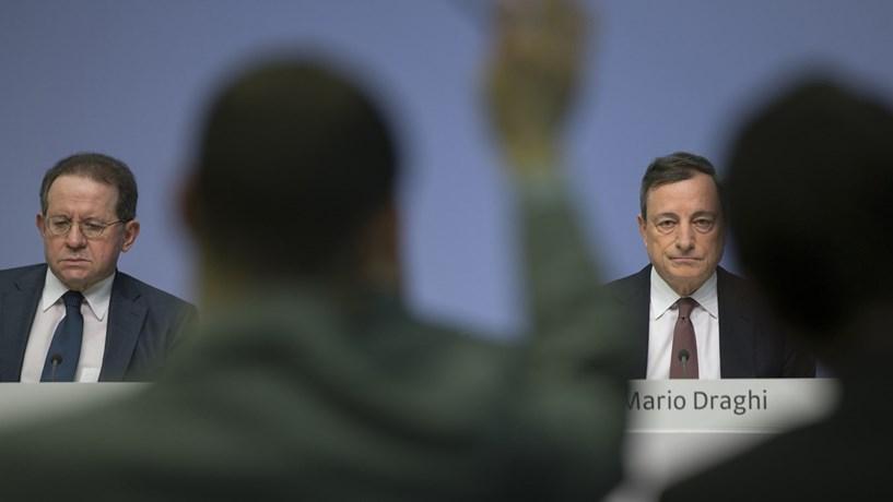 Draghi acalma mercados com promessa de mais estímulos em Março