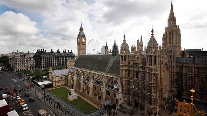 O Palácio de Westminster poderia valer 385 milhões de euros.