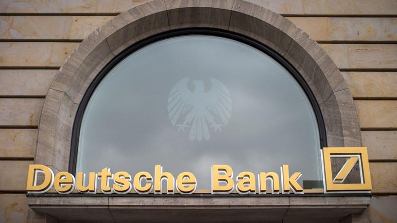 Deutsche Bank considera recomprar dívida para aliviar pressão