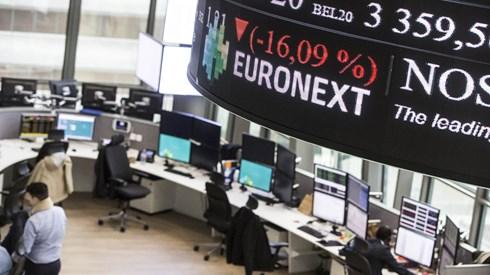 Juros abaixo de 4%, petróleo sobe e Unilever não trava ganhos na Europa