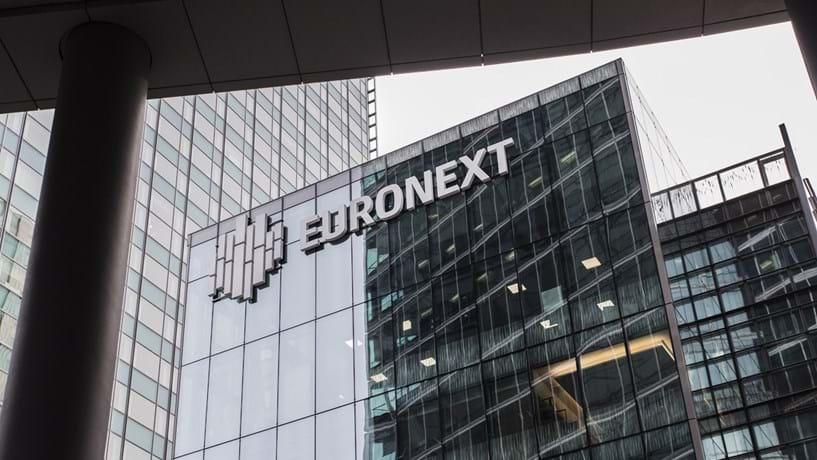 Bolsa nacional em alta ligeira apoiada pela Nos, CTT e Pharol