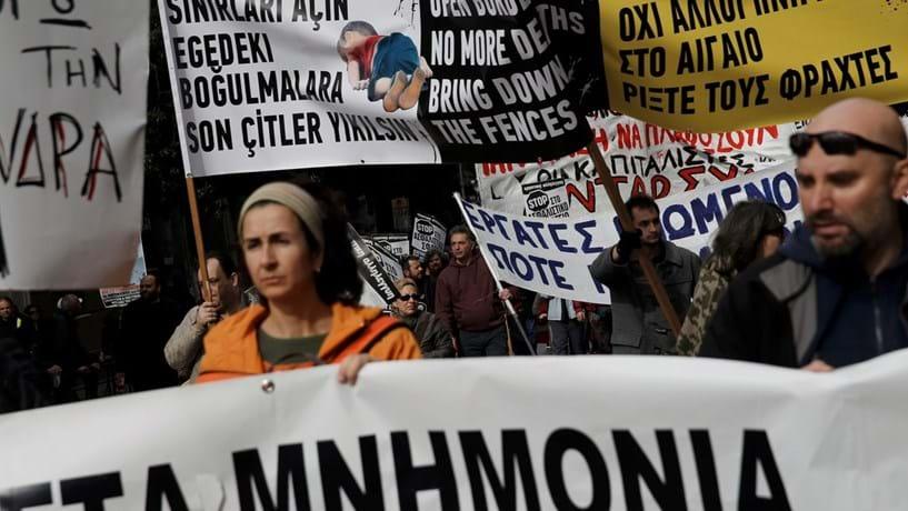 Grécia em primeira greve geral do ano contra novos cortes