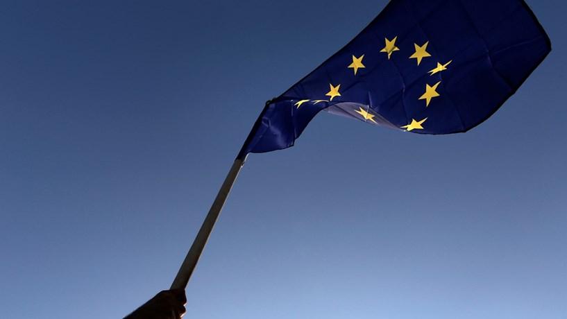 UE e México decidem acelerar negociações para ampliar acordo comercial