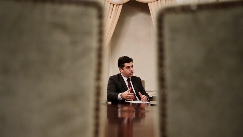 Governo vai passar cheques para digitalização de PME