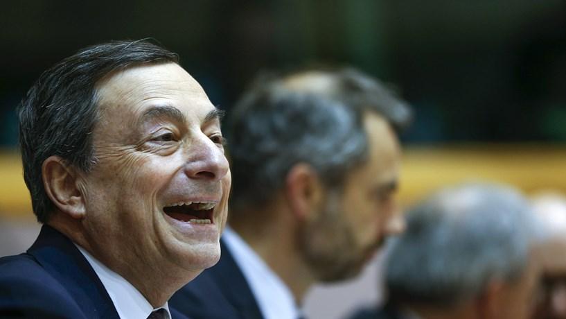 BCE abre a porta à flexibilização das regras para a compra de obrigações e afunda juros