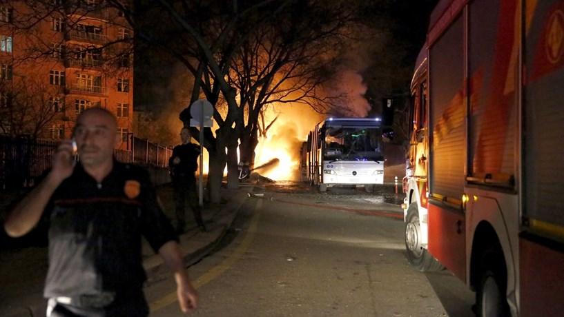 """Proibidas reuniões públicas em Ancara até final de Novembro pelo """"risco de atentados"""""""