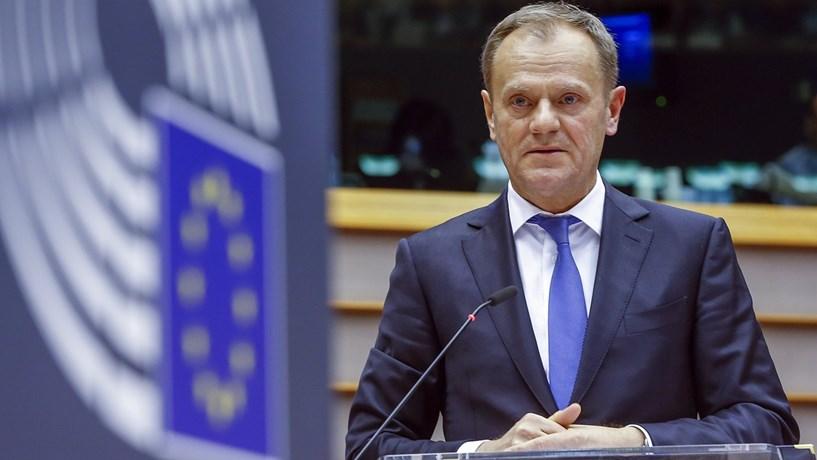 """Tusk diz que relação com os EUA é """"a maior prioridade política"""" da UE"""