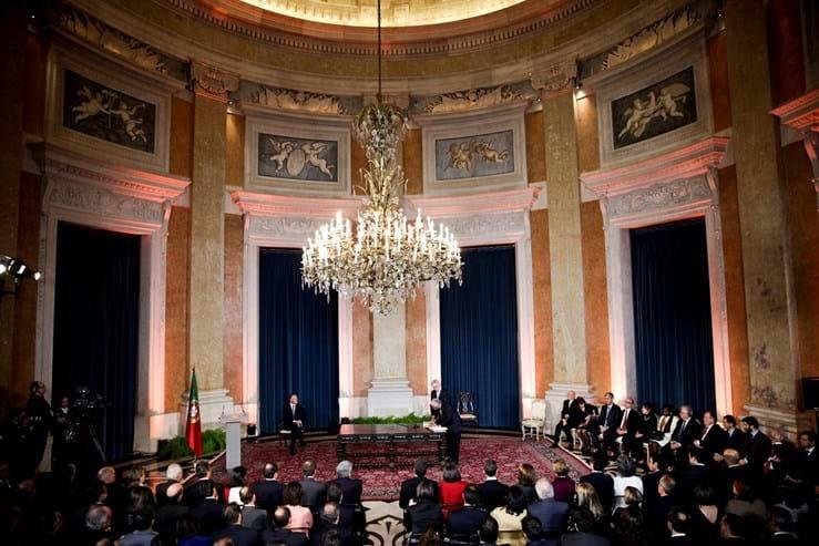 O Governo de António Costa tomou posse a 26 de Novembro de 2015, quase dois meses após as eleições realizadas 4 de Outubro, contando com o apoio parlamentar do PS, mas também do Bloco de Esquerda e do PCP, um cenário considerado improvável pelos analistas antes das eleições.