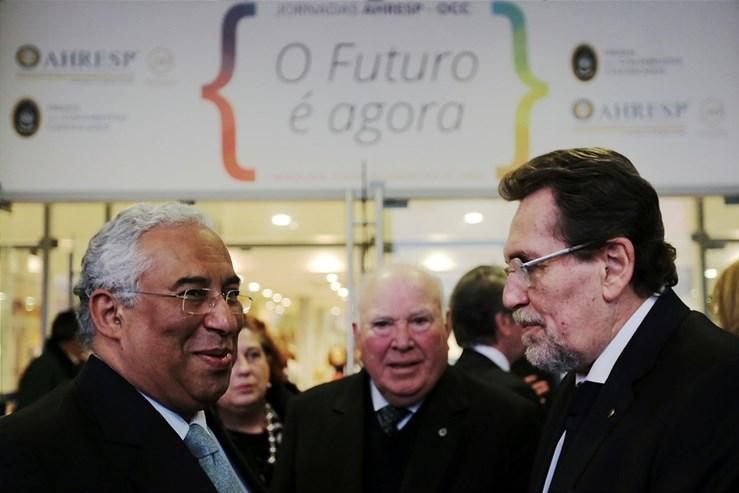 António Costa fechou os trabalhos das jornadas da Associação da Hotelaria, Restauração e Similares (AHRESP), sublinhando a decisão do Governo de privilegiar a redução do IVA na restauração.