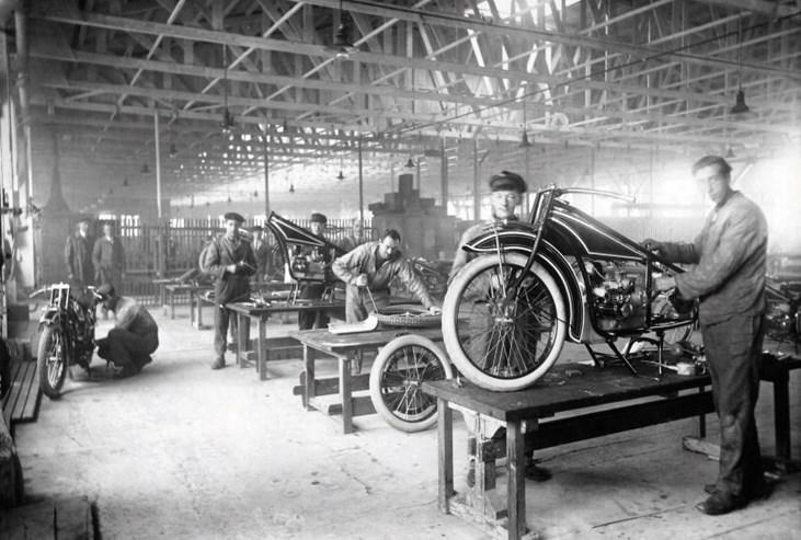 Depois da II Guerra Mundial as motos salvaram a BMW.