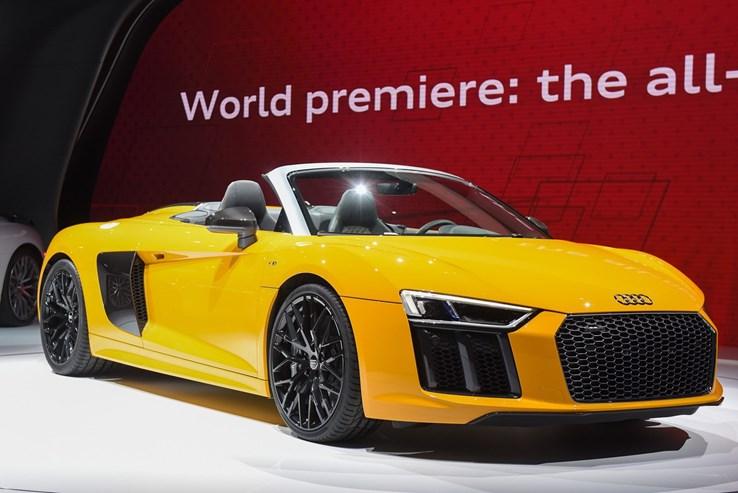 Audi apresenta o novo R8 Spyder: um carro de corrida para andar na rua