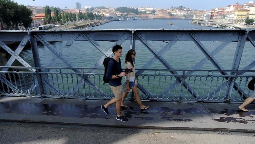 "Como o Porto quer travar as ""ameaças"" do turismo"