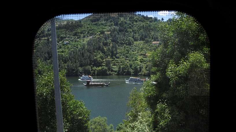 CP e operadores fluviais assinam acordo para reforço na linha do Douro