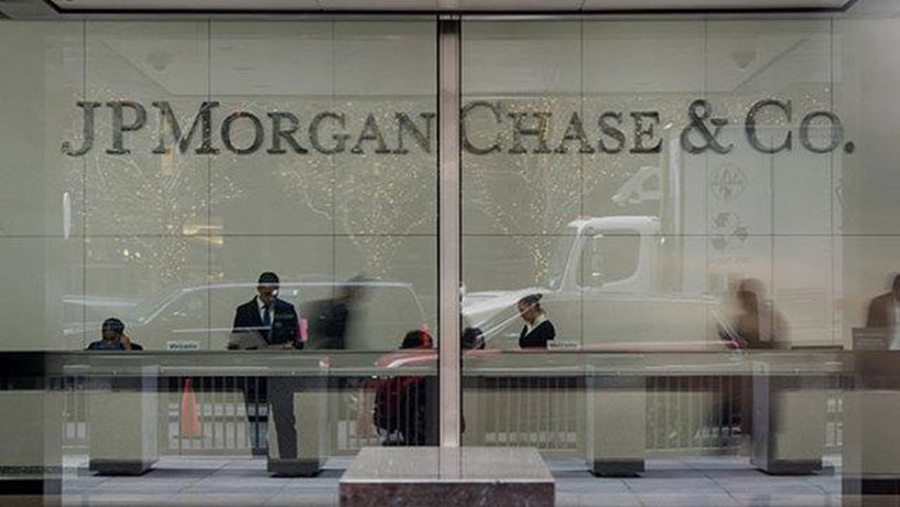 Lucros do JPMorgan sobem e superam estimativas