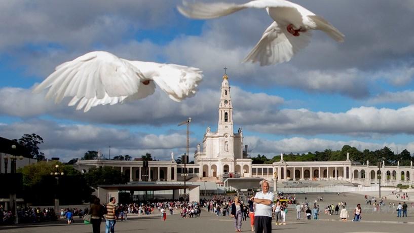 Portugueses confiam mais nos jornalistas do que nos políticos e nos padres