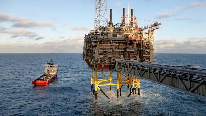 Petróleo continua a afundar e já está em mínimos de mais de três meses