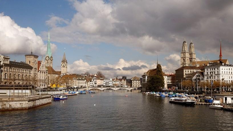 2 Zurique (Suíça)