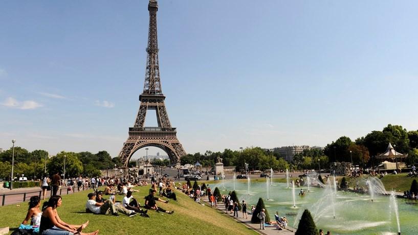 5 Paris (França)