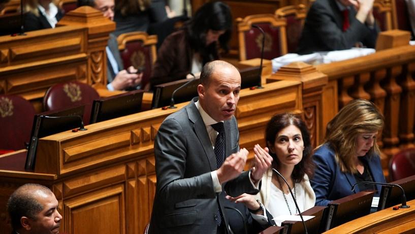 CDS-PP anuncia iniciativa para eliminar adicional no imposto sobre combustíveis