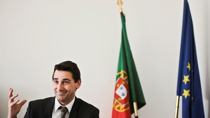 Governo abre a porta a mais municípios na gestão da Carris