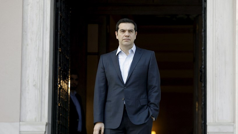 Orçamento grego prevê crescimento económico de 2,7%