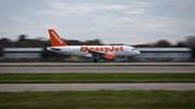 Apesar de recorde de passageiros, easyJet fecha semestre com prejuízos de 212 milhões
