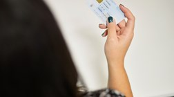 Parlamento aprovou multas para quem exigir fotocópia do cartão de cidadão