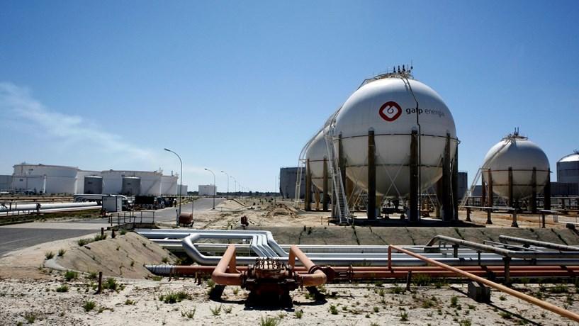 Trabalhadores da Petrogal do Porto reclamam aumentos de 4%