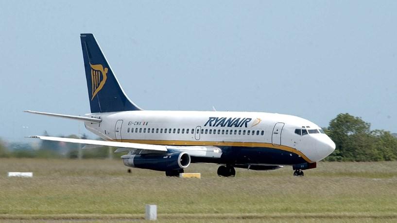 Ryanair prevê menos lucros e culpa queda da libra