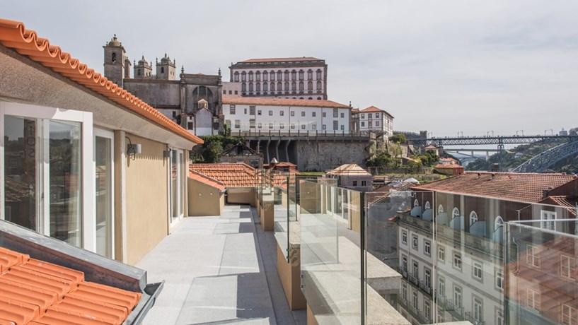 Os turistas podem passar a pagar uma taxa para dormir no Porto, tal como já acontece em Lisboa.