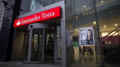 "Fitch melhora perspectiva do ""rating"" do Santander Totta para ""positivo"""