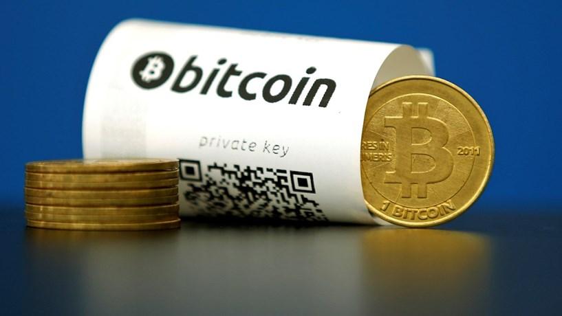 Corrida às bitcoin na China leva moeda virtual a máximos