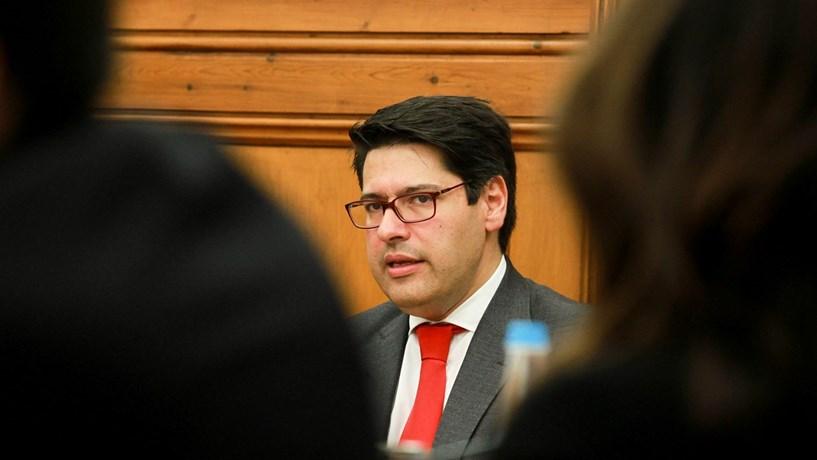 Governo garante que foi ele a liderar negociações da CGD com Bruxelas